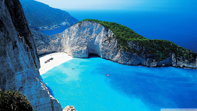 zante-greece-beach-vacation-smugglers-cove